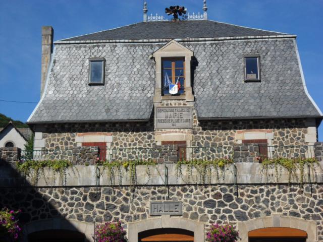 La mairie de Murol